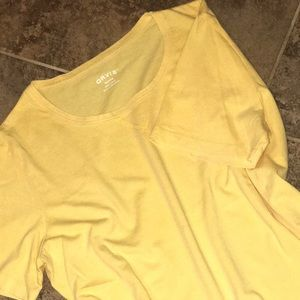 NWOT Orvis Tee. Sz M 100% cotton. Curved bottom